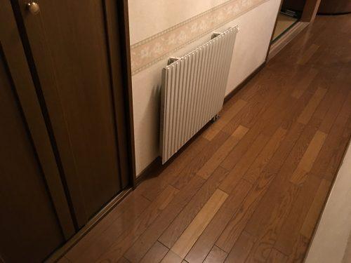 廊下の温水パネル