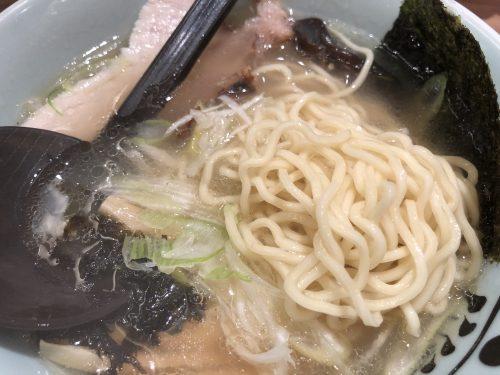 鷹の爪塩ラーメンの麺