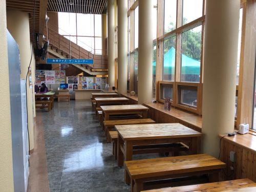 深川の道の駅の飲食スペース