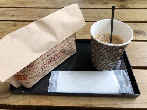 深川の道の駅のホットサンドとコーヒー