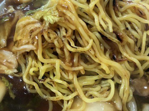 三八飯店あんかけ焼きそばの麺