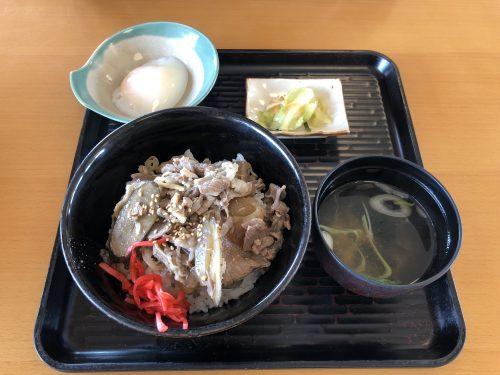 にじいろ食堂の牛丼定食