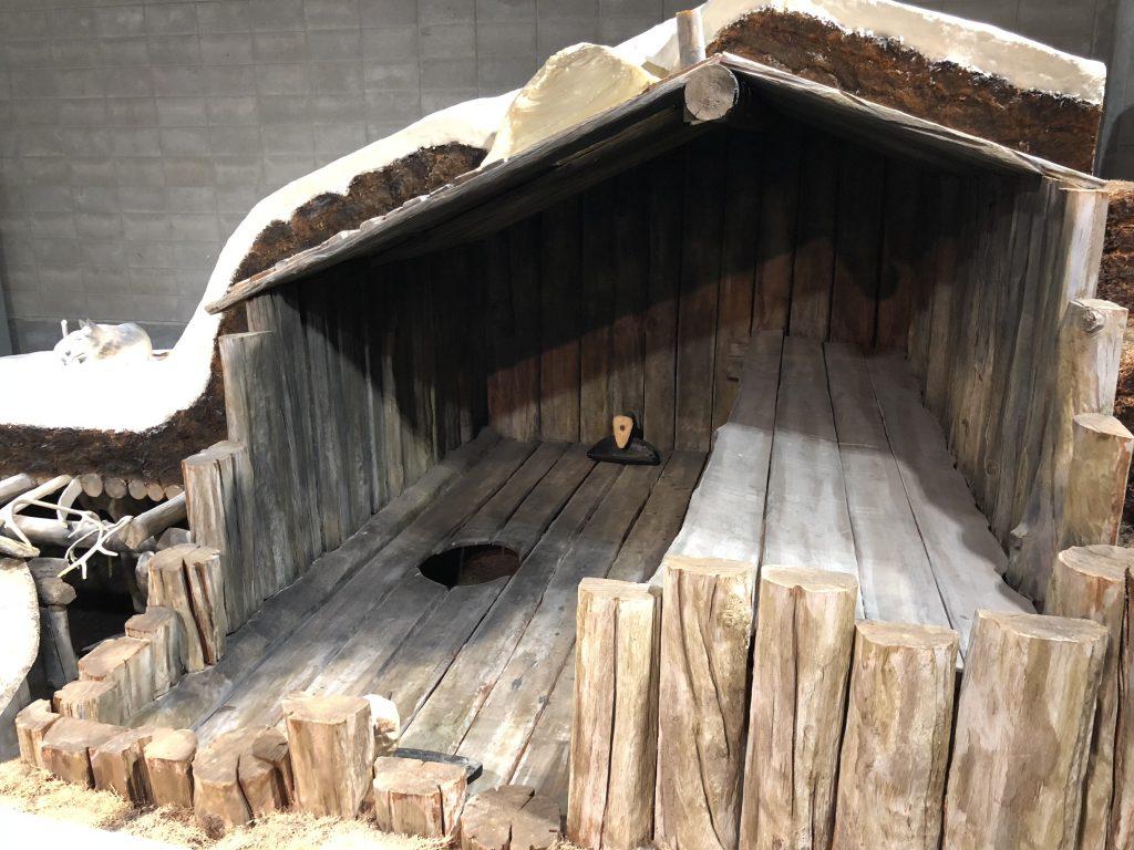 イヌイトの竪穴住居