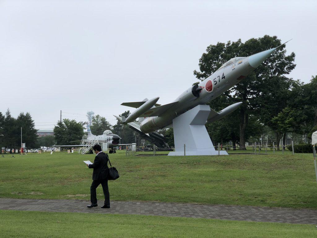 千歳基地内の戦闘機の模型1